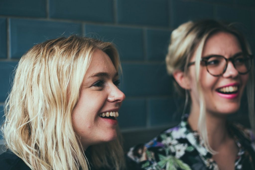 zwei Frauen Jobmatching