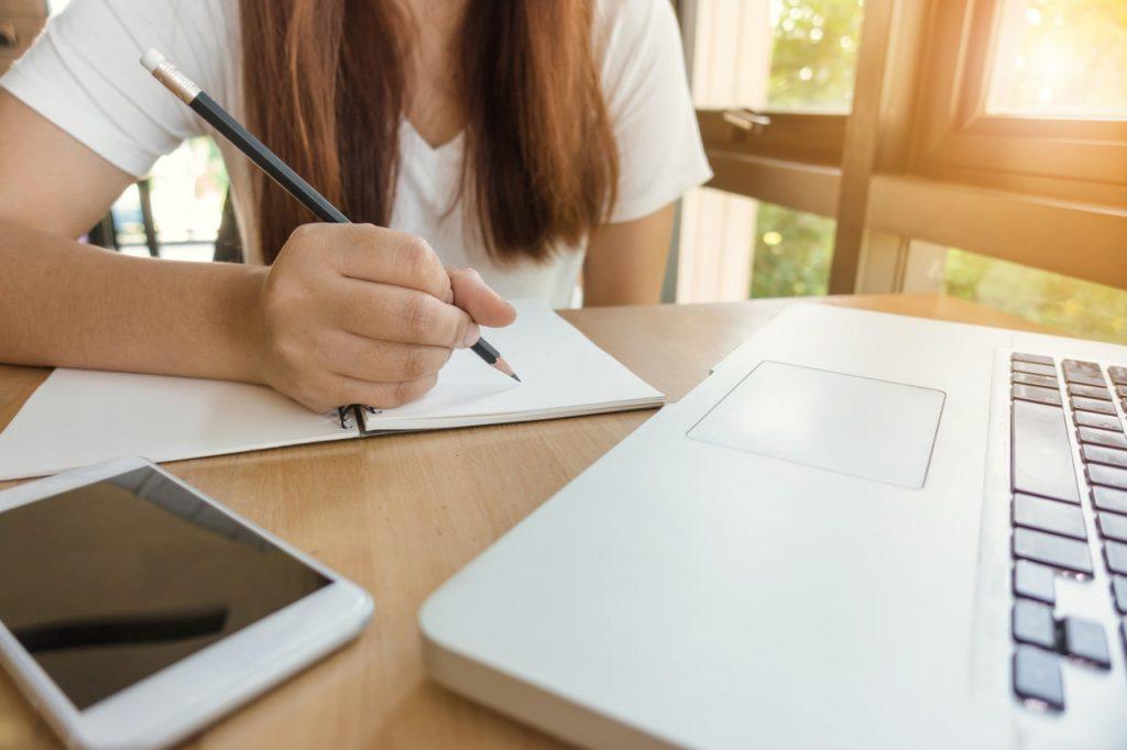 Um eine perfekte Zusammenfassun für die Uni schreiben zu können, brauchst Du einen Überblick.
