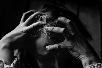 Dauerhafter Stress führt häufig zu einem Burnout.